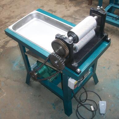 Roller length 310mm Electric beeswax foundation sheet machine