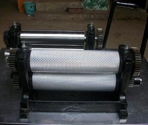 Roller length 310mm Manual beeswax foundation sheet machine