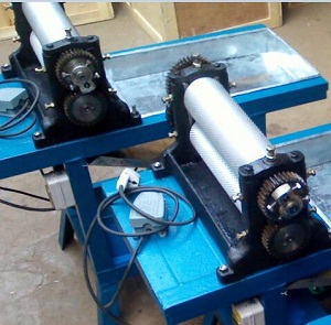 Roller length 500mm Electric beeswax foundation sheet machine