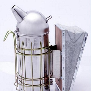 beekeeping-galvanized-iron-sheet-cowhide-bee-smokers-for-sale